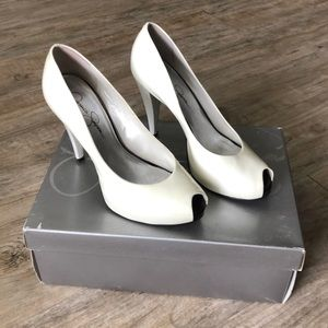 Jessica Simpson White peep toe heels